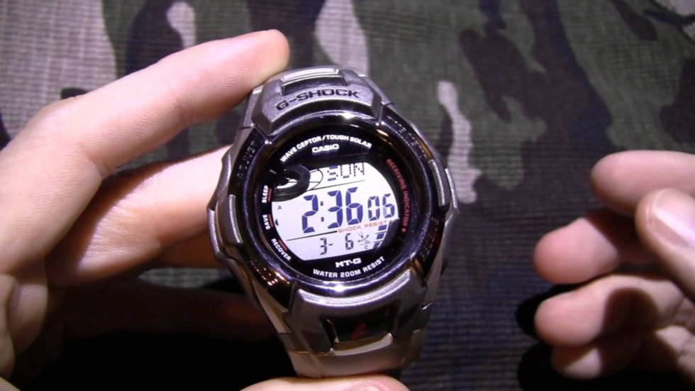 Top 3 Best Stainless Steel / Titanium Hiking / Adventure Watches for Men