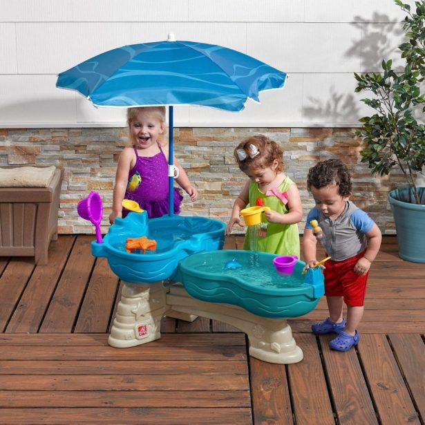 best water table for kids ranked reviewed ranking squad. Black Bedroom Furniture Sets. Home Design Ideas