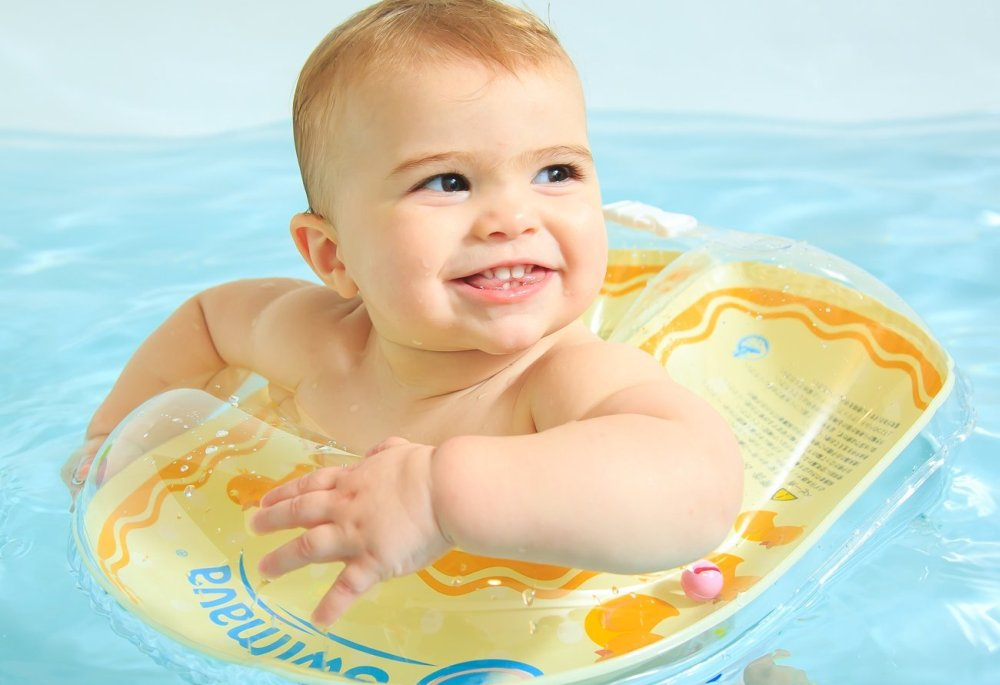 Best & Safest Swim Rings for Kids Aged Up to 24 Months Old (Reviewed)