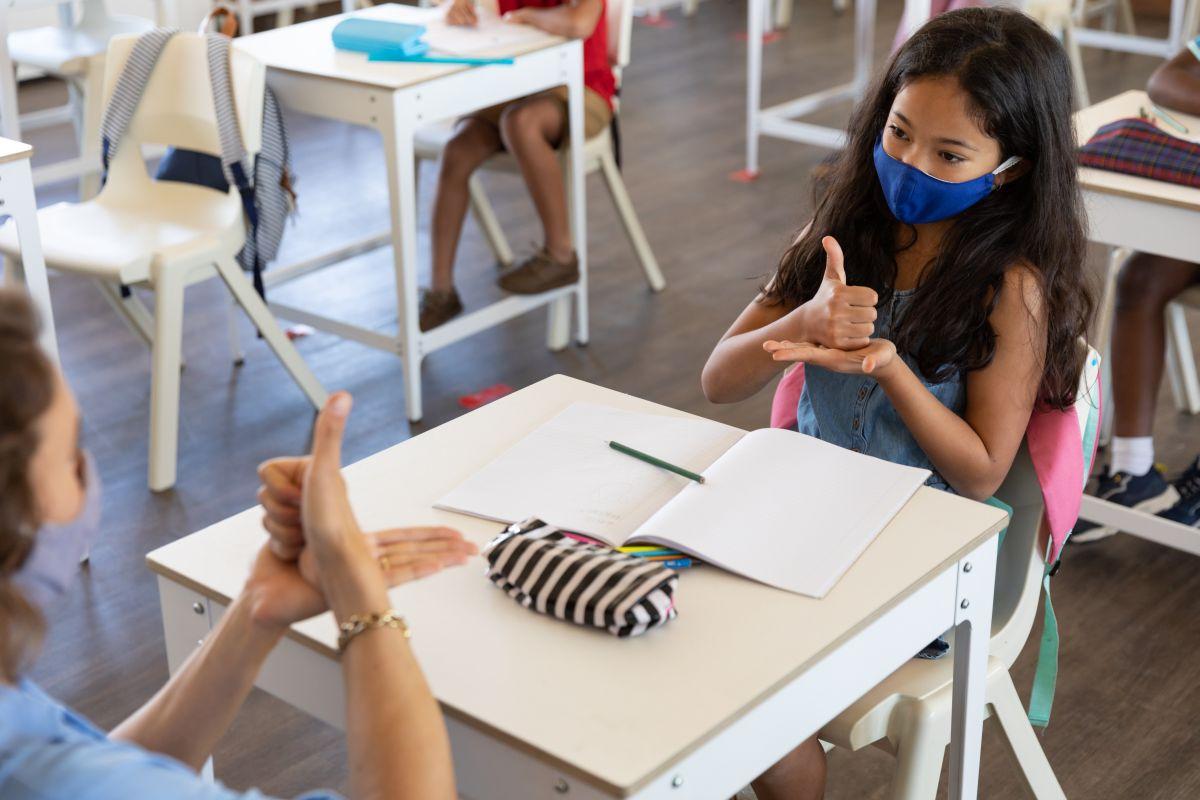 how to start teaching sign language
